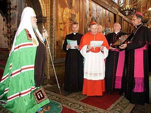 Патриарх Алексий II (Ридигер) 8 августа 2004 года на Божественной литургии в праздник Успения Пресвятой Богородицы перед официальной делегацией Римско-Католической церкви.