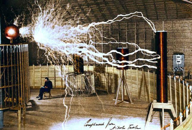 Николай Тесла - изобрел резонансный трансформатор и получил на выходе энергию, многократно превышающую входную