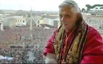 Кардинал Роджер Махони всё ещё в должности, борется с обвинениями в сексуальном домогательстве против 556 священников из его епархии. «лжёт и покрывает».
