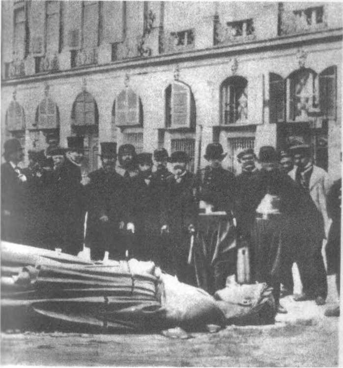 The Jewish Masonic Communards by the destroyed Vendom monument in Paris 1871. They also had plans to demolish the Notre Dame cathedral.