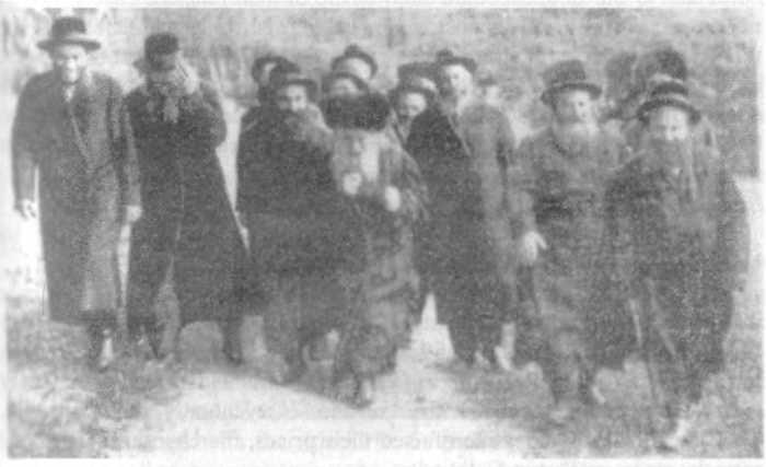 Коммунистические лидеры (в том числе Маркс, Пьер Жозеф Прудон, Франсуа Мари Шарль Фурнье - все евреи)