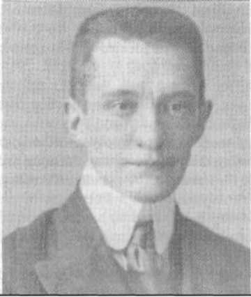 Alexander Kerensky (Aaron Kürbis) led the plot to depose the Russian Tsar Nicholas II